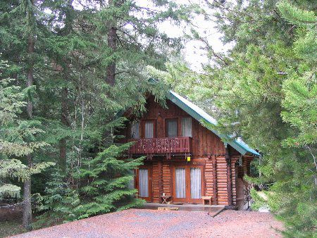 Main Photo: Cozy Log Cabin in the Heart of Whistler