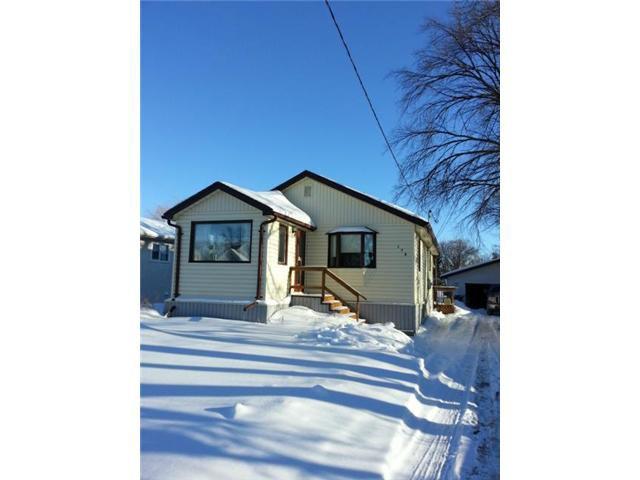 Main Photo: 170 Sadler Avenue in WINNIPEG: St Vital Residential for sale (South East Winnipeg)  : MLS®# 1302129