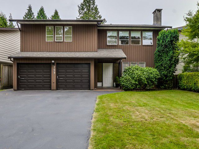 Main Photo: 753 E 18TH ST in North Vancouver: Boulevard House for sale : MLS®# V1130313