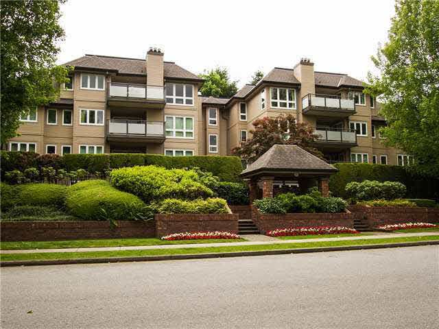 Main Photo: 401 3970 LINWOOD STREET in : Burnaby Hospital Condo for sale : MLS®# V1071219