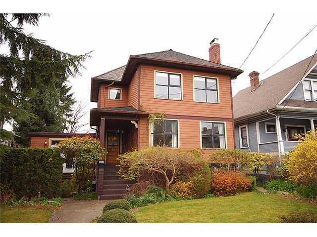 "Main Photo: 318 4TH Street in New Westminster: Queens Park House for sale in ""QUEEN'S PARK"" : MLS®# V987695"