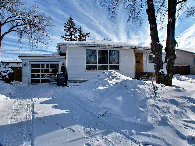 Main Photo: 33 Cypress Bay in Winnipeg: Windsor Park / Southdale / Island Lakes Residential for sale (South East Winnipeg)  : MLS®# 1301545