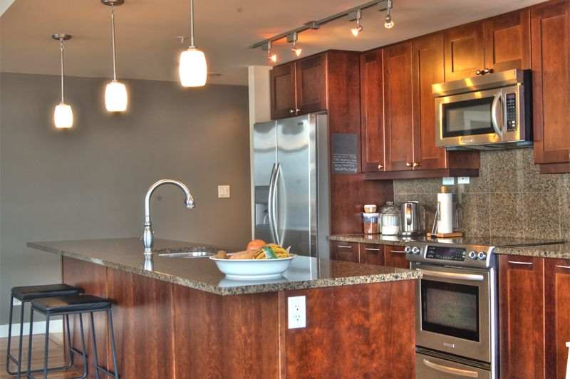 Photo 4: Photos: 701-160 Lakeshore Dr W in Penticton: Okanagan Lake Area Residential Attached for sale : MLS®# 147177