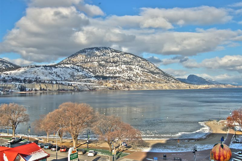 Photo 1: Photos: 701-160 Lakeshore Dr W in Penticton: Okanagan Lake Area Residential Attached for sale : MLS®# 147177