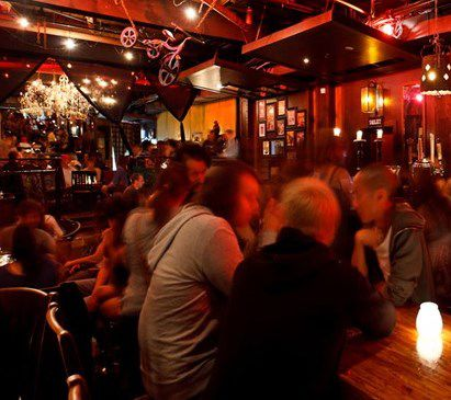 Main Photo: ~ GRANVILLE STREET PUB ~ in Vancouver: Downtown VW Home for sale (Vancouver West)  : MLS®# C8002652