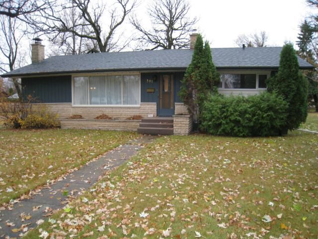 Main Photo: 301 Brown Avenue West in DAUPHIN: Manitoba Other Residential for sale : MLS®# 1301512