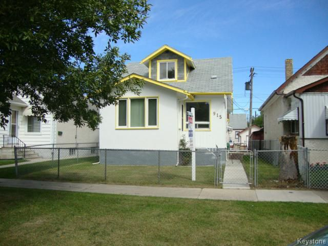 Main Photo: 915 BOYD Avenue in WINNIPEG: North End Residential for sale (North West Winnipeg)  : MLS®# 1319545