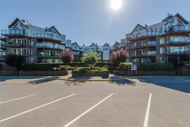 Main Photo: 223 378 Esplanade Avenue: Harrison Hot Springs Condo for sale : MLS®# R2224279