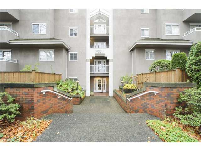 Main Photo: # 202 526 W 13TH AV in Vancouver: Fairview VW Condo for sale (Vancouver West)  : MLS®# V1094742