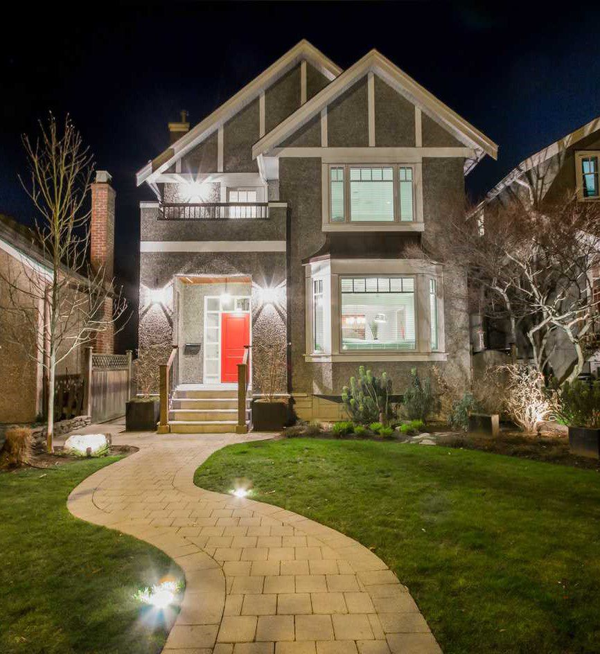 Main Photo: 3847 W 30TH AVENUE in Vancouver: Dunbar House for sale (Vancouver West)  : MLS®# R2038967