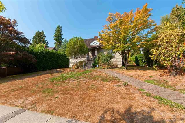 Main Photo: 2905 45 Avenue in Vancouver: Kerrisdale House for sale (Vancouver West)  : MLS®# R2329550
