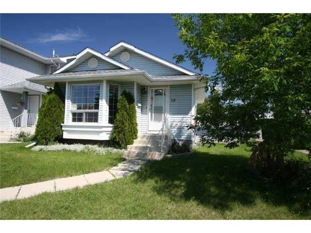 Main Photo: 70 MARTINWOOD Road NE in CALGARY: Martindale Residential Detached Single Family for sale (Calgary)  : MLS®# C3531197