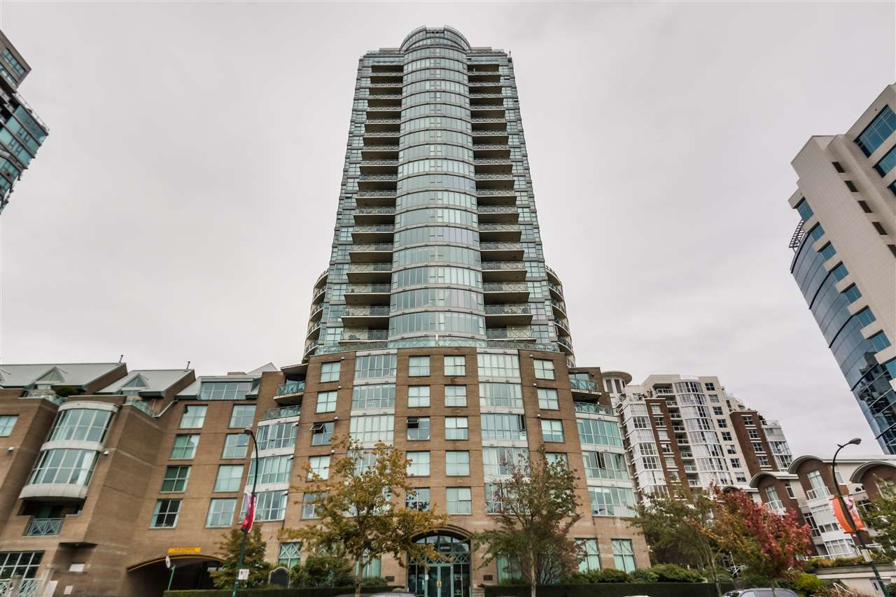 Main Photo: 1704 1188 QUEBEC STREET in Vancouver: Mount Pleasant VE Condo for sale (Vancouver East)  : MLS®# R2007487