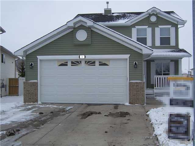 Main Photo: 16 WILLOWBROOK Bay NW: Airdrie Residential Detached Single Family for sale : MLS®# C3543970