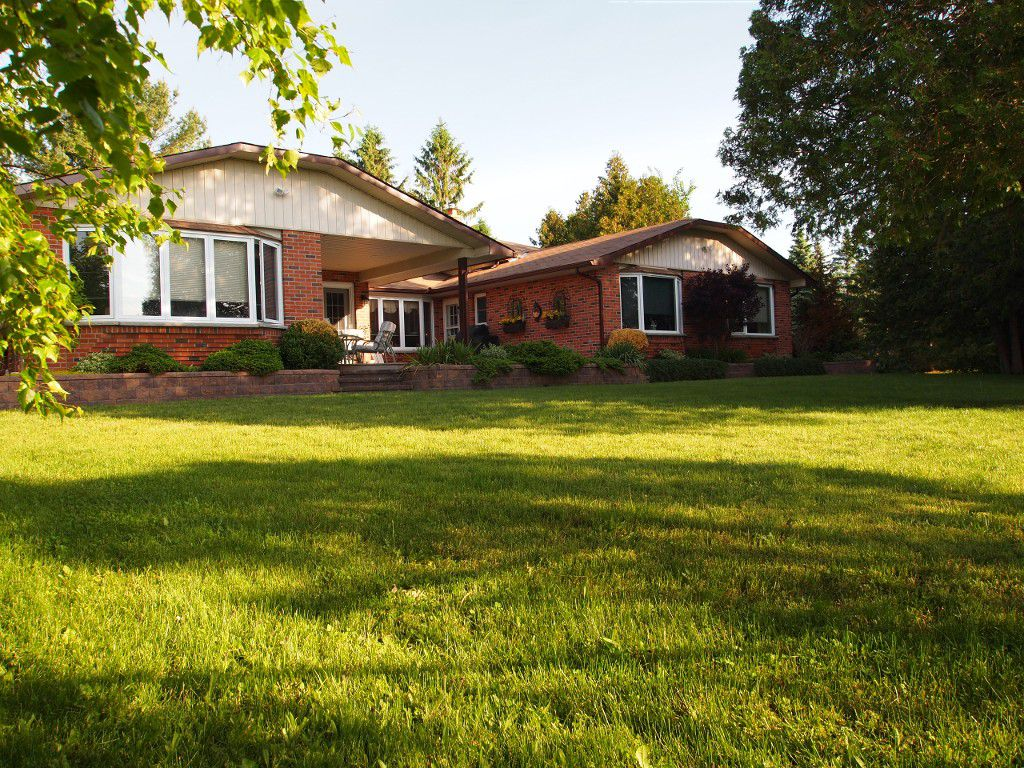 Main Photo: 88 Pinewood Boulevard in Kawartha Lakes: Rural Eldon Freehold for sale