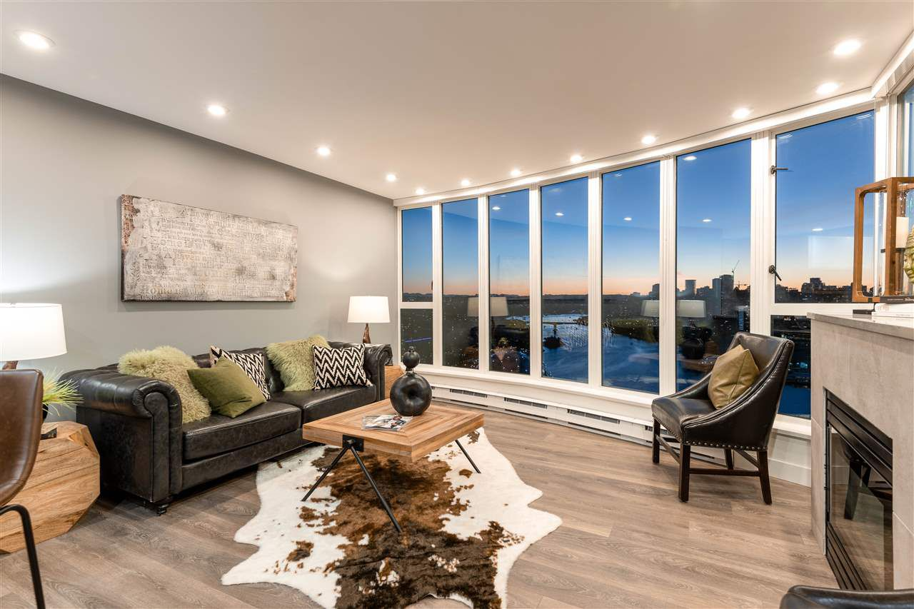 Main Photo: 2502 1188 QUEBEC STREET in Vancouver: Mount Pleasant VE Condo for sale (Vancouver East)  : MLS®# R2315780