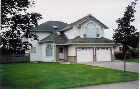 Main Photo: Gorgeous Home, Deluxe Shop, 1/4 Acre Murrayville
