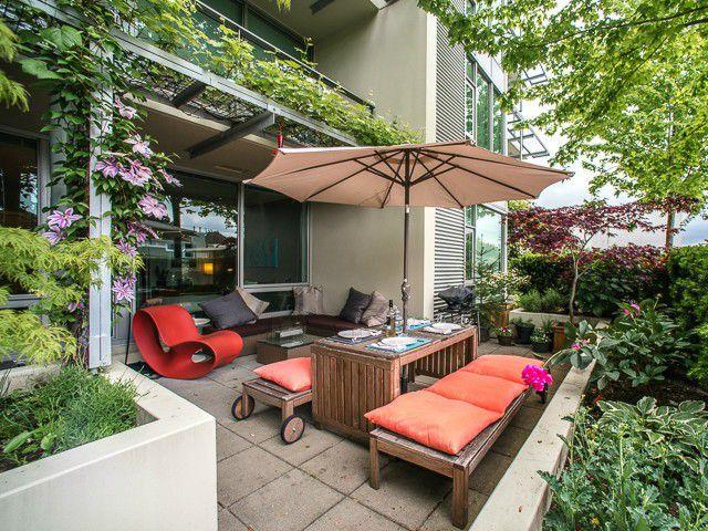 Main Photo: # 214 2528 MAPLE ST in Vancouver: Kitsilano Condo for sale (Vancouver West)  : MLS®# V1123352