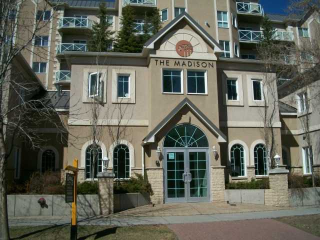Main Photo: 610 1507 CENTRE A Street NE in CALGARY: Crescent Heights Condo for sale (Calgary)  : MLS®# C3565051