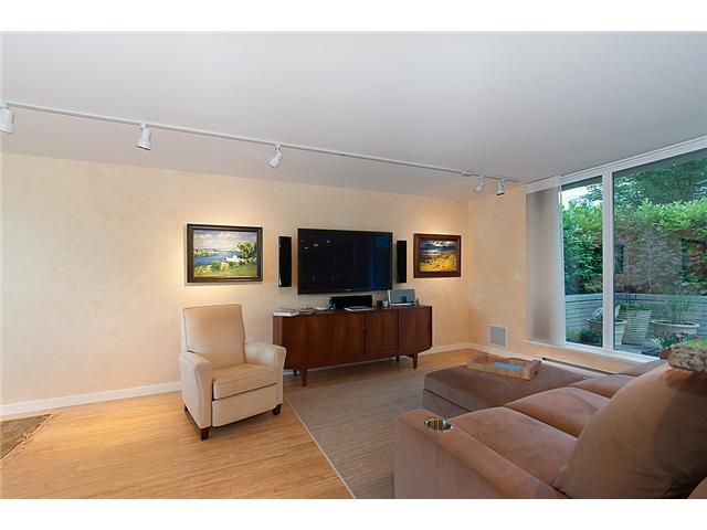 """Main Photo: 128 PRIOR Street in Vancouver: Mount Pleasant VE Townhouse for sale in """"CREEKSIDE"""" (Vancouver East)  : MLS®# V1016762"""
