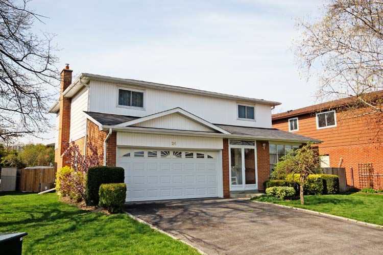 Main Photo: Whitby in Lynde-Creek: Freehold for sale (Whitby)