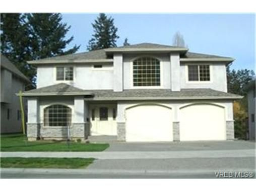 Main Photo: 2363 Selwyn Road in VICTORIA: La Thetis Heights Single Family Detached for sale (Langford)  : MLS®# 186898