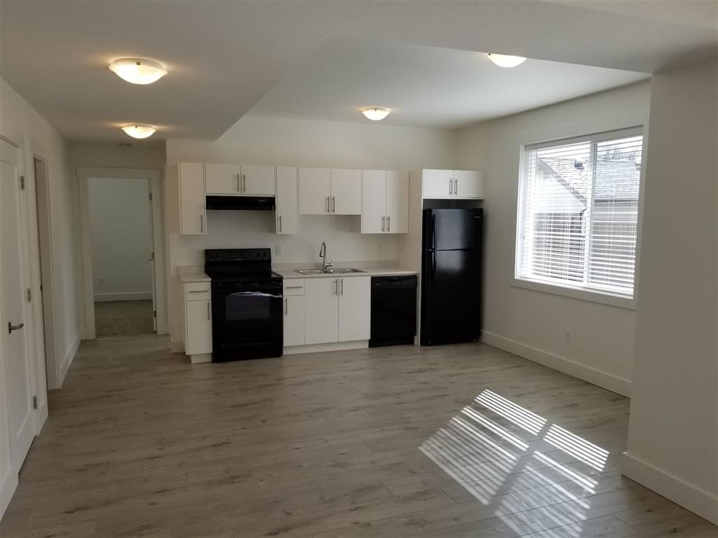 Photo 7: Photos: 8781 Broadway Street in Chilliwack: House for sale : MLS®# R2255844