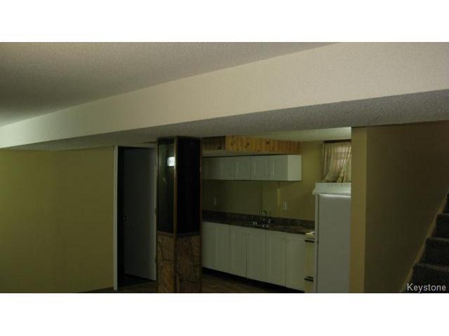 Photo 13: Photos: 1062 McLeod Avenue in WINNIPEG: North Kildonan Single Family Attached for sale (North East Winnipeg)  : MLS®# 1412031