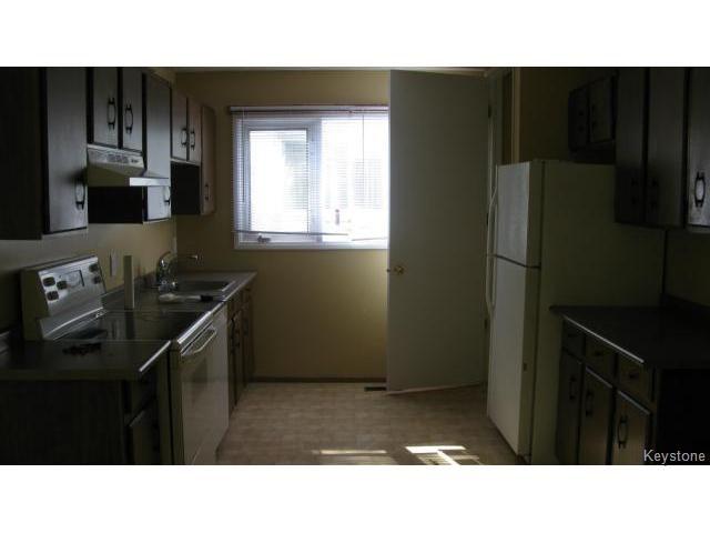 Photo 6: Photos: 1062 McLeod Avenue in WINNIPEG: North Kildonan Single Family Attached for sale (North East Winnipeg)  : MLS®# 1412031
