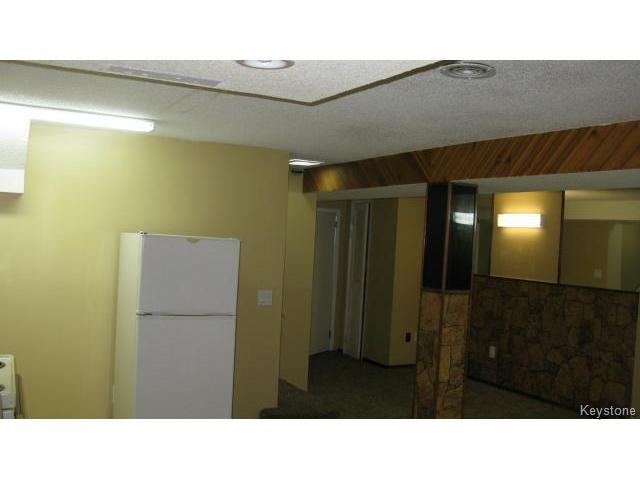 Photo 12: Photos: 1062 McLeod Avenue in WINNIPEG: North Kildonan Single Family Attached for sale (North East Winnipeg)  : MLS®# 1412031