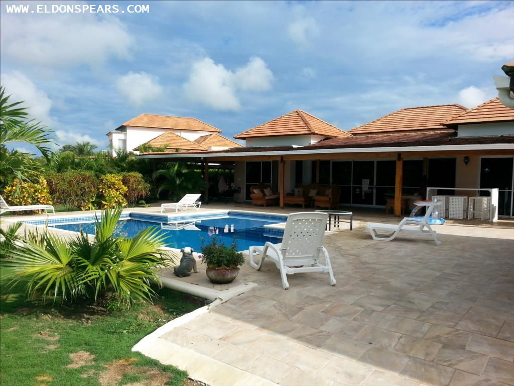 Villa in Decameron for sale