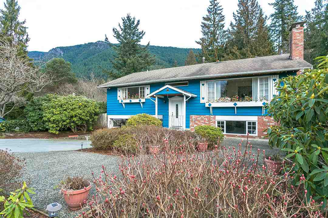 Main Photo: 5170 Sonora Drive in North Vancouver: Canyon Heights NV House for sale : MLS®# R2331852