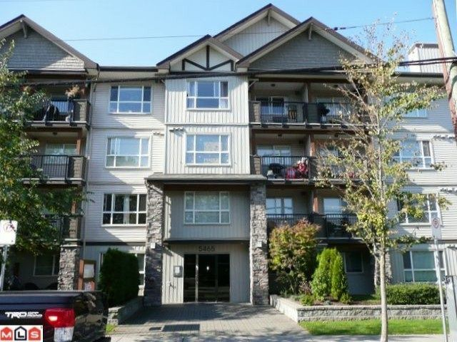 Main Photo: 212 5465 203 STREET in Langley: Langley City Condo for sale : MLS®# R2108169