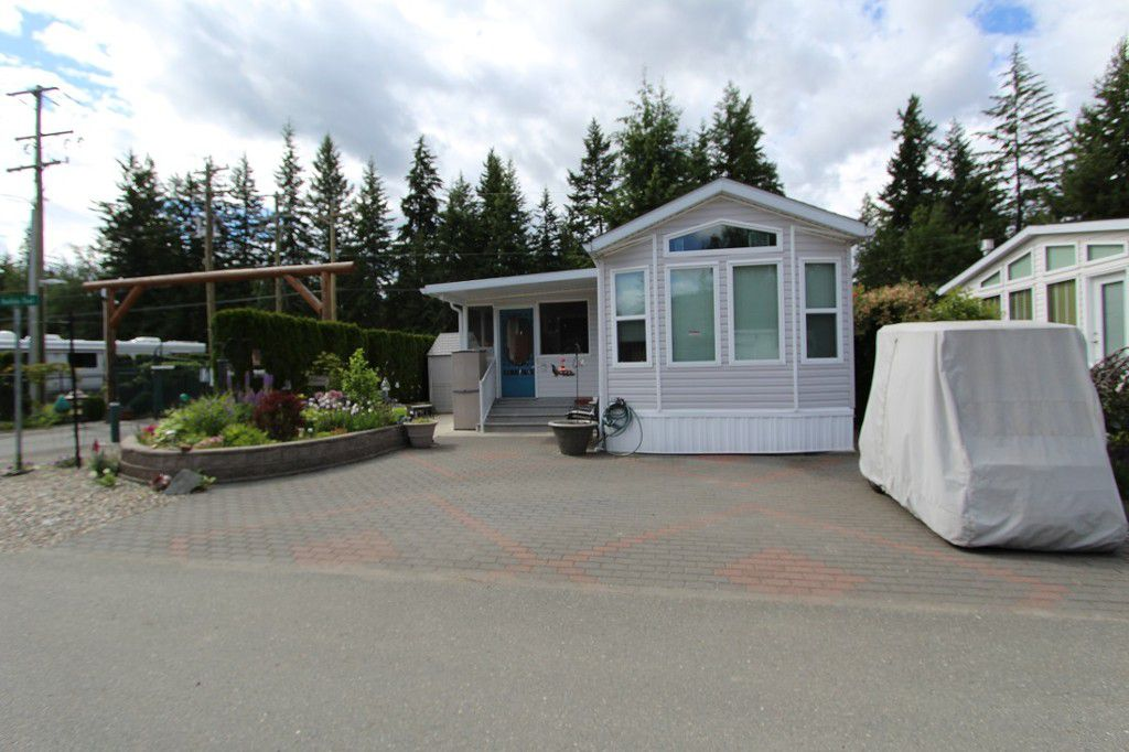 Main Photo: 235 3980 Squilax Anglemont Road in Scotch Creek: North Shuswap Manufactured Home for sale (Shuswap)  : MLS®# 10118349