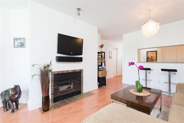Main Photo: : Condo for sale (Vancouver East)  : MLS®# R2067640