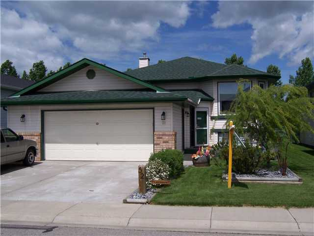Main Photo: 52 SUNRIDGE Place NW: Airdrie Residential Detached Single Family for sale : MLS®# C3529637