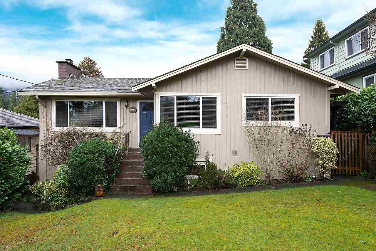 Main Photo: 1015 JEFFERSON AVENUE in West Vancouver: Sentinel Hill House for sale : MLS®# R2113219