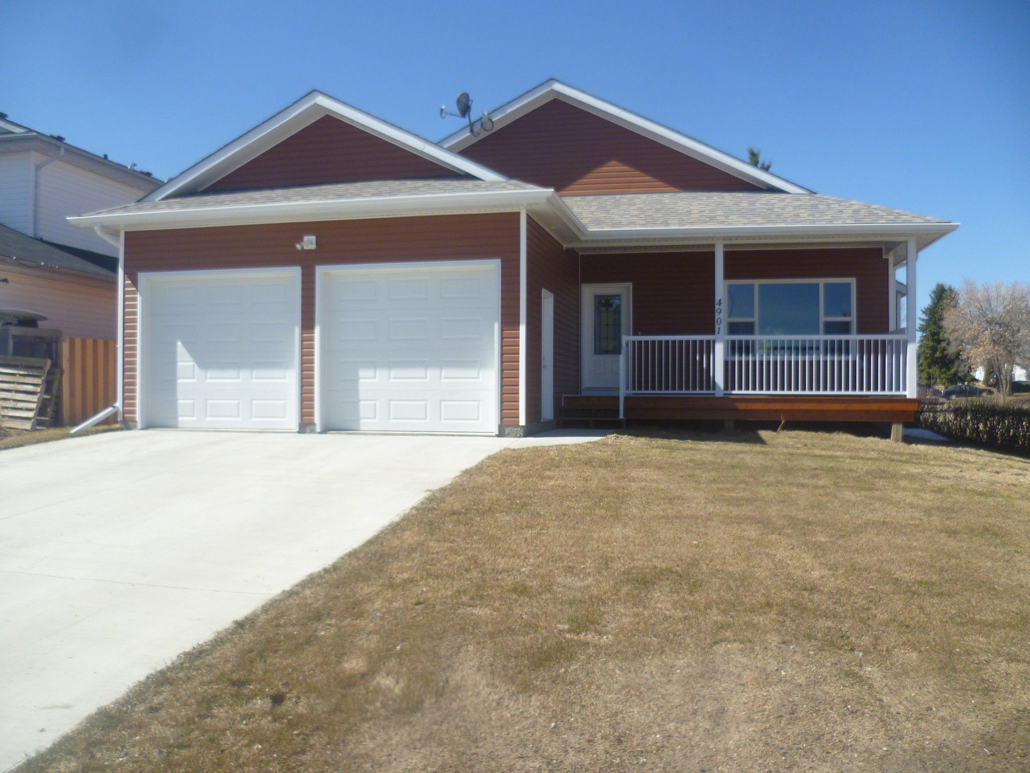 Main Photo: 4901 - 48 Avenue in Legal: House for rent