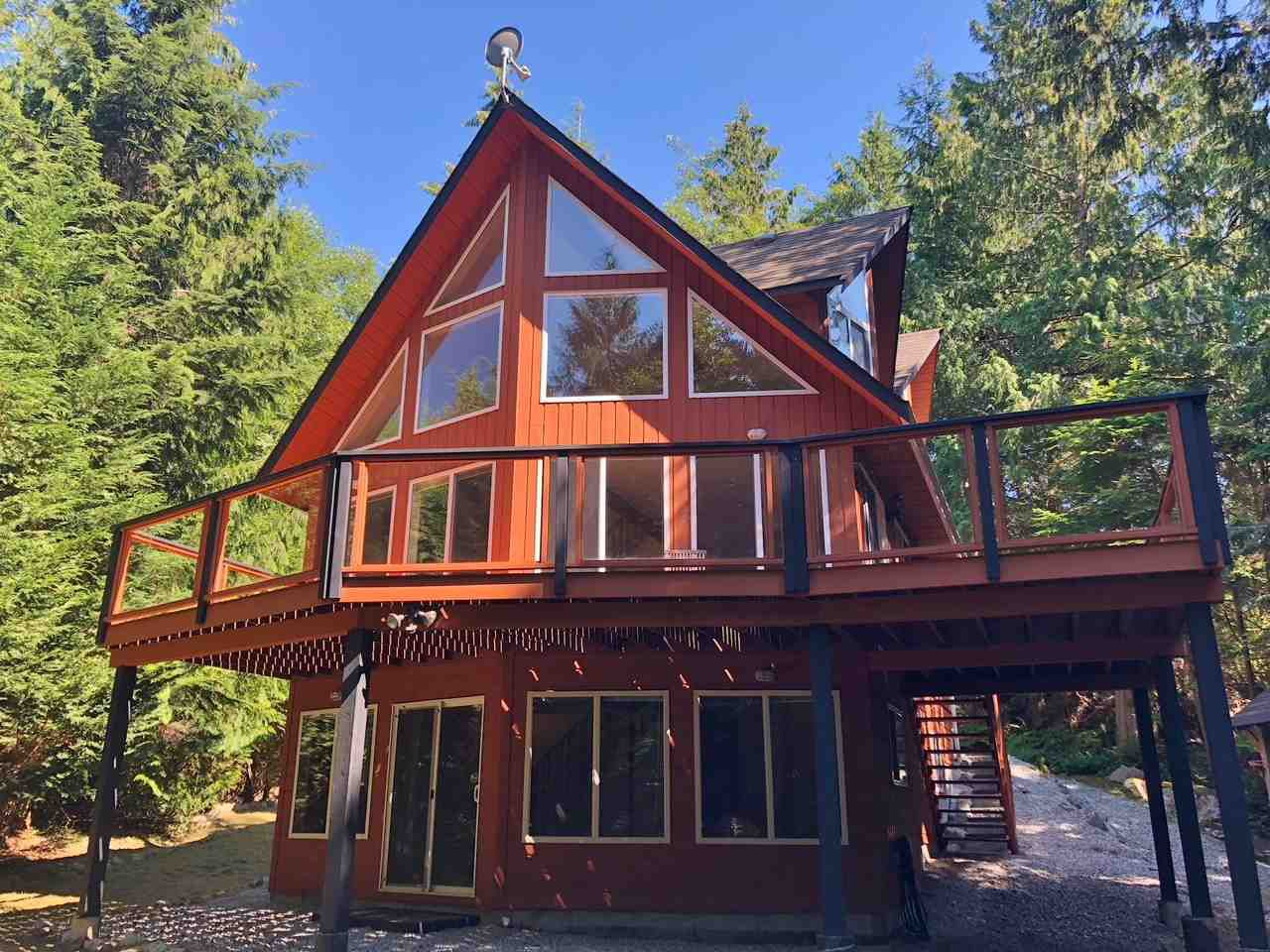 Main Photo: 5557 RILEY ROAD in Halfmoon Bay: Halfmn Bay Secret Cv Redroofs House for sale (Sunshine Coast)  : MLS®# R2344865