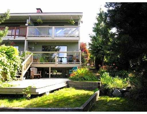 Main Photo: 615 CHESTERFIELD AV in North Vancouver: Lower Lonsdale House 1/2 Duplex for sale : MLS®# V559556