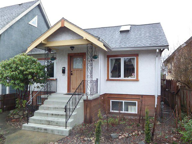 Main Photo: 2119 E 3RD Avenue in Vancouver: Grandview VE House for sale (Vancouver East)  : MLS®# V934050