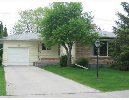 Main Photo: 106 ARROWWOOD: Residential for sale (Garden City)  : MLS®# 2809814