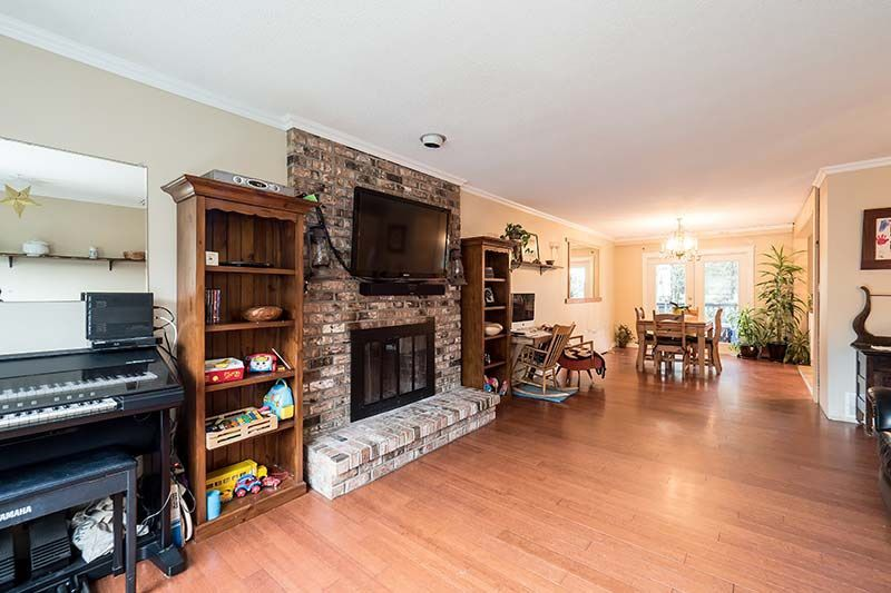 Photo 4: Photos: 1397 DOVERCOURT ROAD in North Vancouver: Lynn Valley House for sale : MLS®# R2045514
