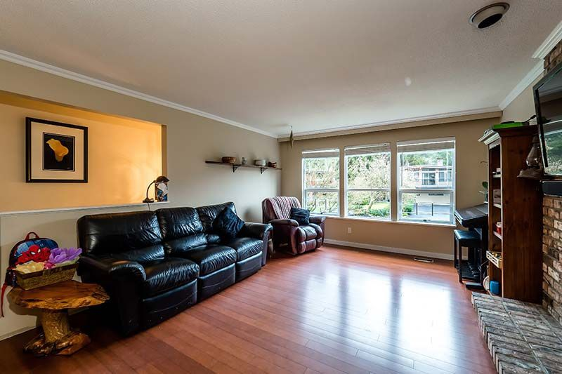 Photo 3: Photos: 1397 DOVERCOURT ROAD in North Vancouver: Lynn Valley House for sale : MLS®# R2045514