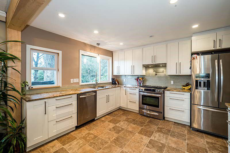 Photo 5: Photos: 1397 DOVERCOURT ROAD in North Vancouver: Lynn Valley House for sale : MLS®# R2045514