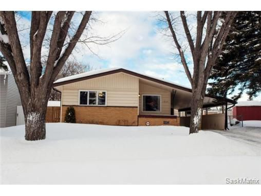 Main Photo: 1645 9th AVENUE N in Saskatoon: North Park Single Family Dwelling for sale (Saskatoon Area 03)  : MLS®# 457277