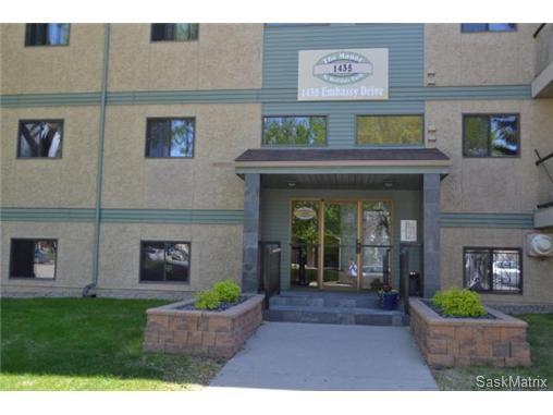 Main Photo: 208 1435 Embassy Drive in Saskatoon: Holiday Park Condominium for sale (Saskatoon Area 04)  : MLS®# 436469
