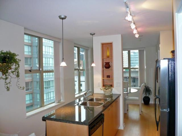 Main Photo: 903 969 Richards Street in Mondrian 2: Downtown Home for sale ()