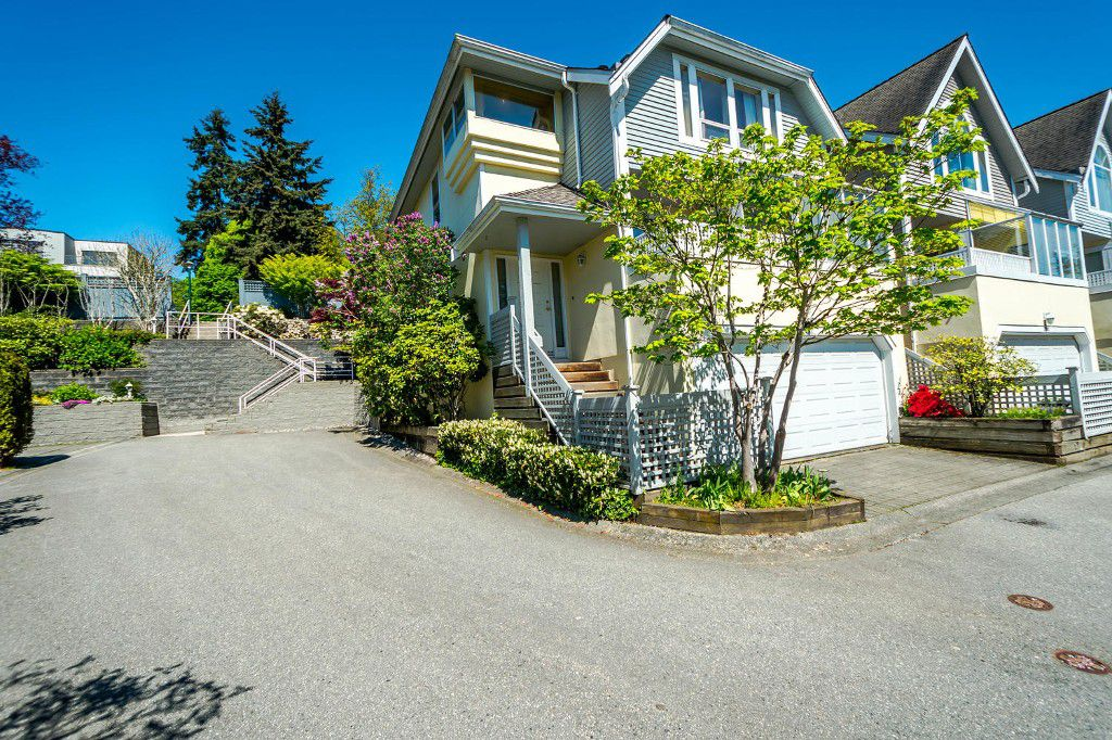 Main Photo: 2201 PORTSIDE COURT in Vancouver: Fraserview VE Townhouse for sale (Vancouver East)  : MLS®# R2163820