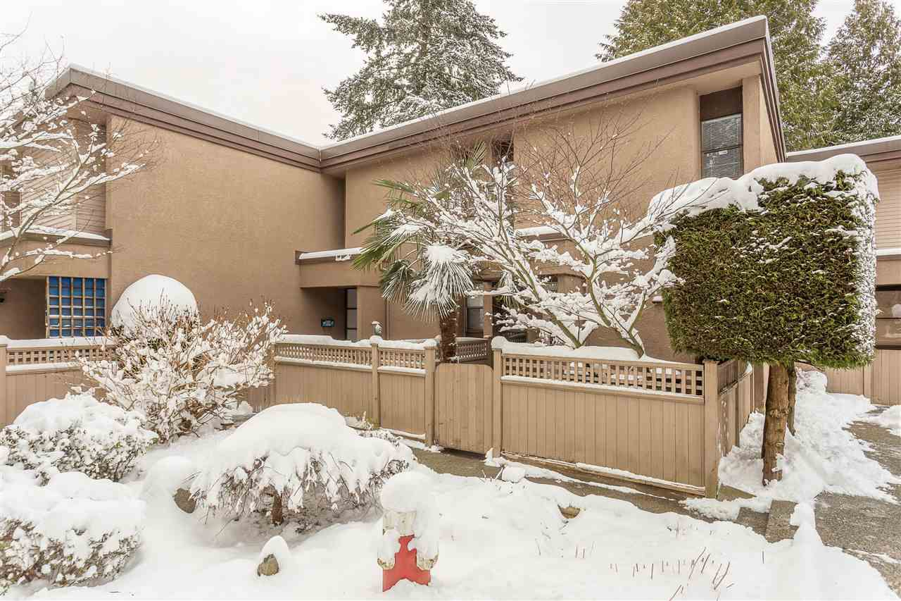 Main Photo: 83 13766 CENTRAL AVENUE in Surrey: Whalley Townhouse for sale (North Surrey)  : MLS®# R2340257